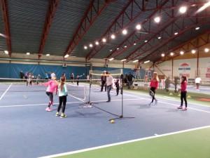 Fullt ös med minitennis, badminton, pingis och frågesport!